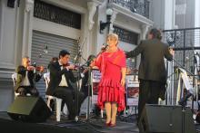 La soprano Astrid Achi, junto a la Orquesta de Cámara de República de Francia